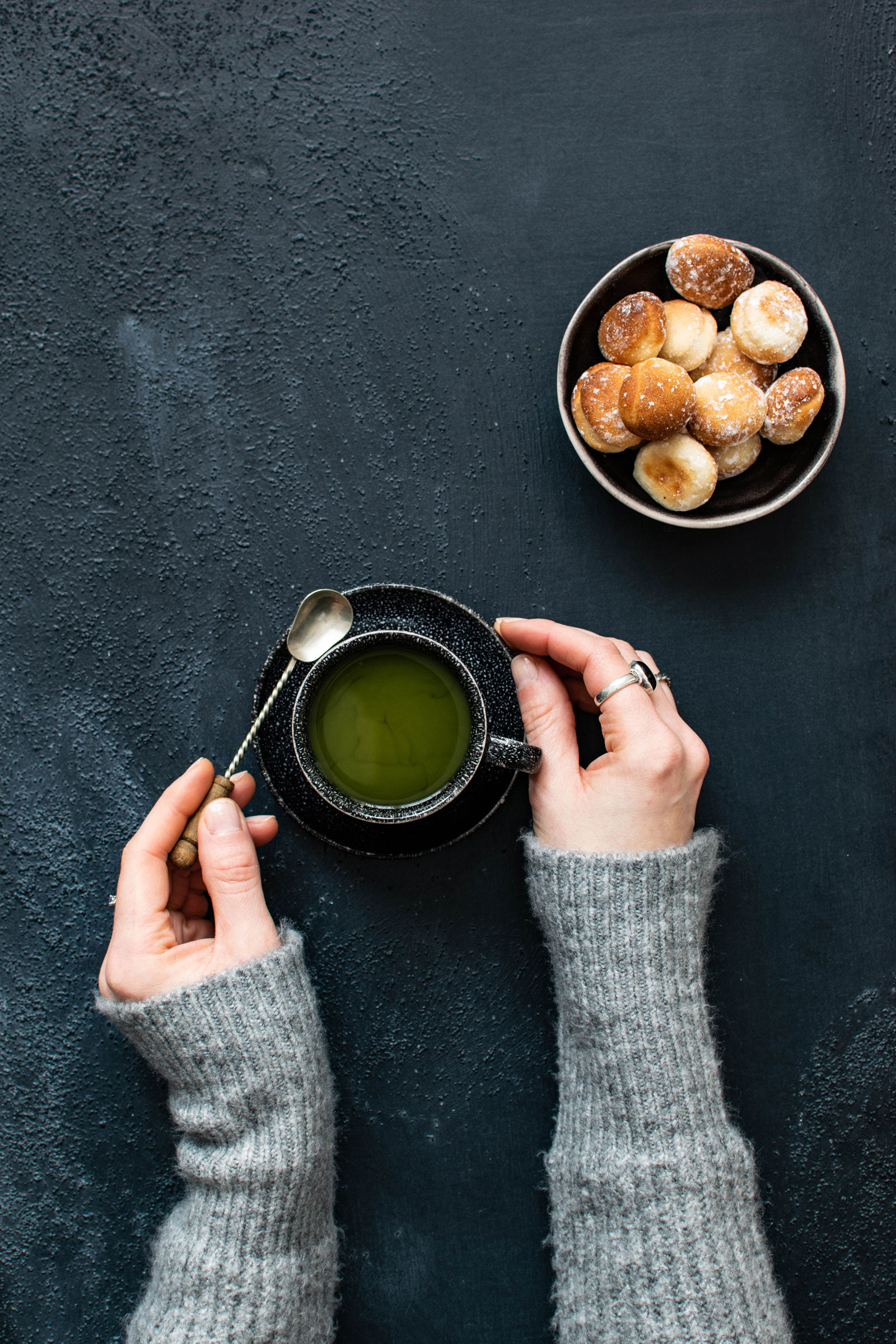 Green Tea and Bread | How Drinking Green Tea Can Help Promote A Healthy Diet