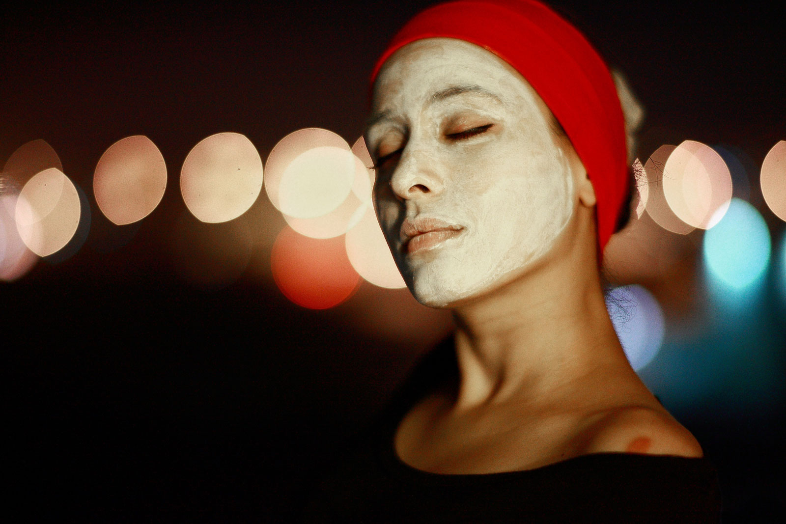 Woman Wearing Face Mask | 5 Ways To Use Green Tea Products Other Than In Tea