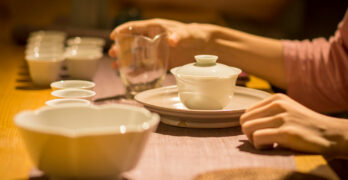 Tea Cups | The Definitive Rules For Putting Milk In Tea